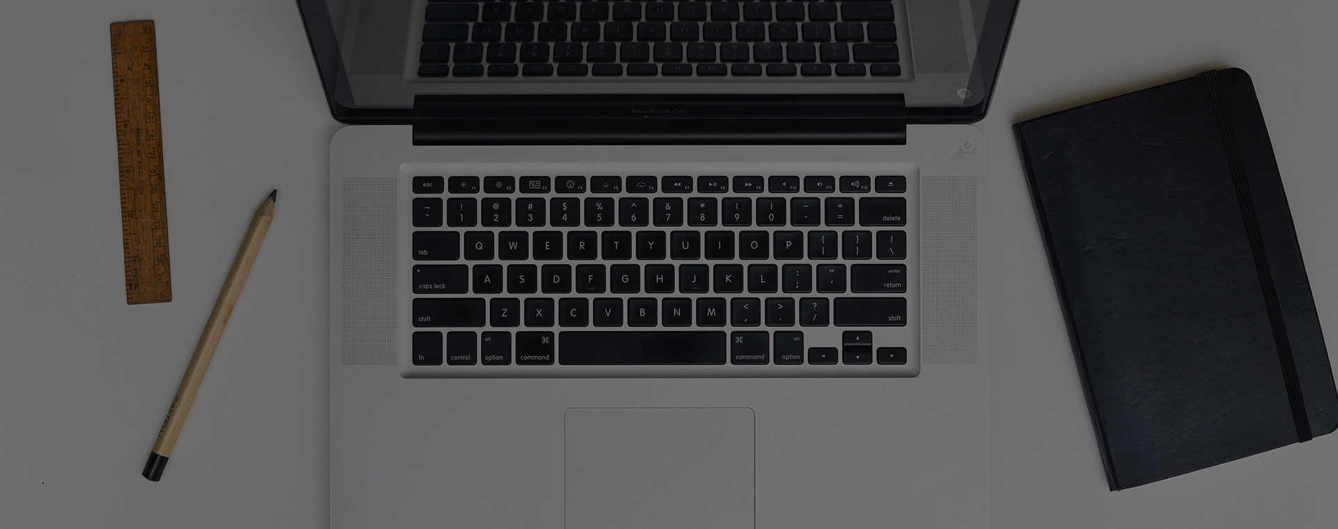 Op de laptop glasvezel